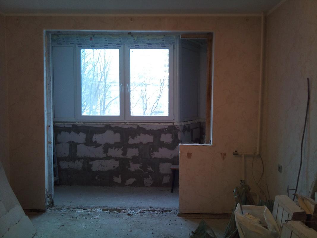 Демонтаж и снос подоконного блока в панельном и кирпичном до.